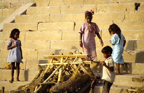 Varanasi: playing children