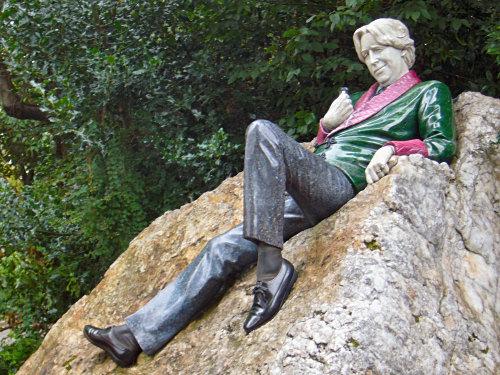 Statue of Oscar Wilde in Dublin's Archbishop Ryan Park