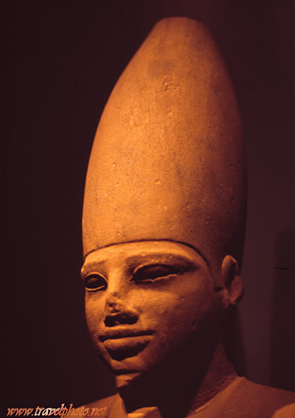Statue in the Luxor museum