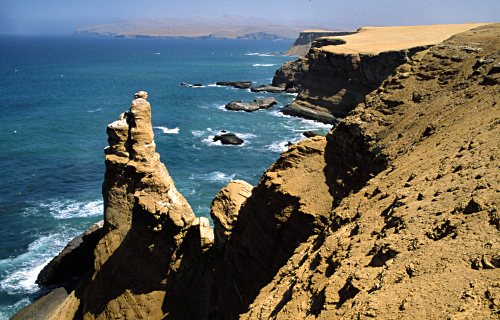 Dramatic cliffs at Paracas, Peru. Photo: Laurenz Bobke