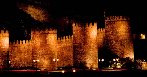 walls at Night, vila, Central Spain