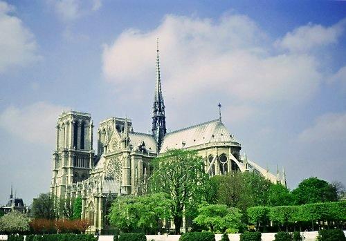 Paris: Notre Dame.