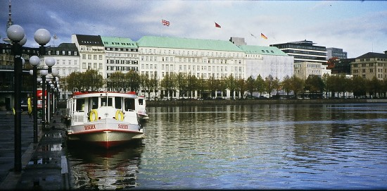 The Alster, Hamburg. Photo L. Bobke