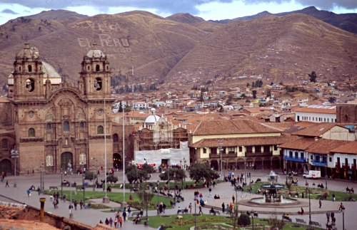 Main square of Cuzco. Photo: L. Bobke.