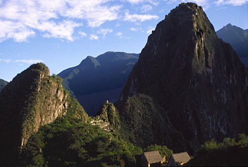 HUayna Picchu seen from Machu Picchu. Photo: L. Bobke.