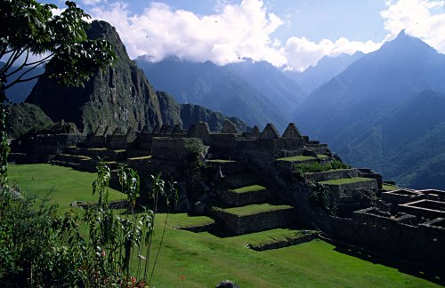 Machu Picchu: Sacred Plaza. Photo: L. Bobke