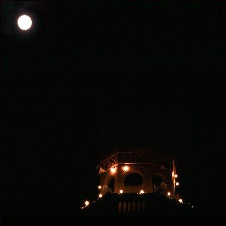 Minaret in der Nacht, Tozeur.
